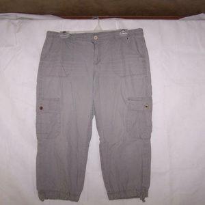 Tommy Hilfiger 12 Cargo Crop Capri Pants